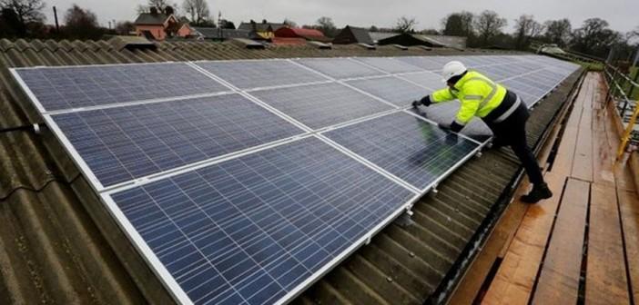 Descoperirea unui cercetător poate lăsa continentul european fără energie! Ce problemă au mai multe panouri solare din Europa