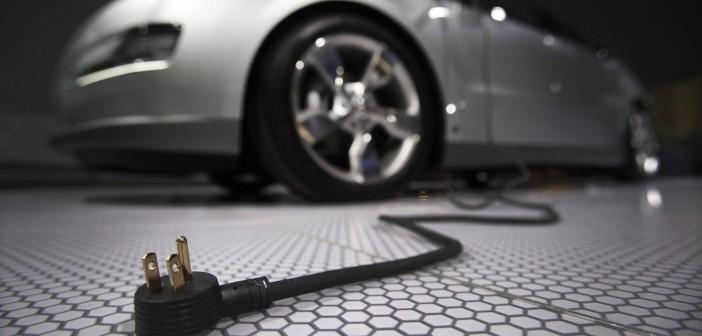 Una dintre cele mai poluatoare țări de pe planetă vrea să scape de mașinile pe benzină și motorină. Le înlocuiește cu cele electrice
