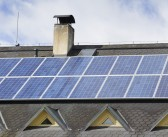 Consumatorii ce produc energie regenerabilă pot face profit din vânzarea acesteia!