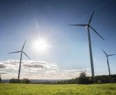 Un institut din România își face parc eolian-solar cu fonduri de la Uniunea Europeană!