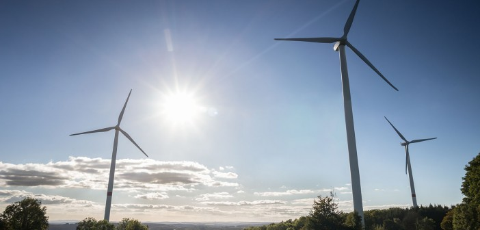 energie eoliana si solara