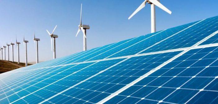 Românii consideră că țara a parcurs deja 40,5% din tranziţia către sursele de energie regenerabilă