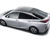 Mașinile cu panouri solare încorporate în plafon se vând în Japonia!