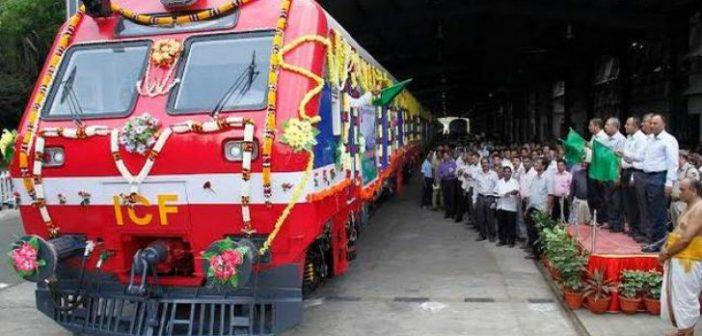 Primul tren solar din lume a fost inaugurat în India! Va economisi peste 90.000 de litri de combustibil