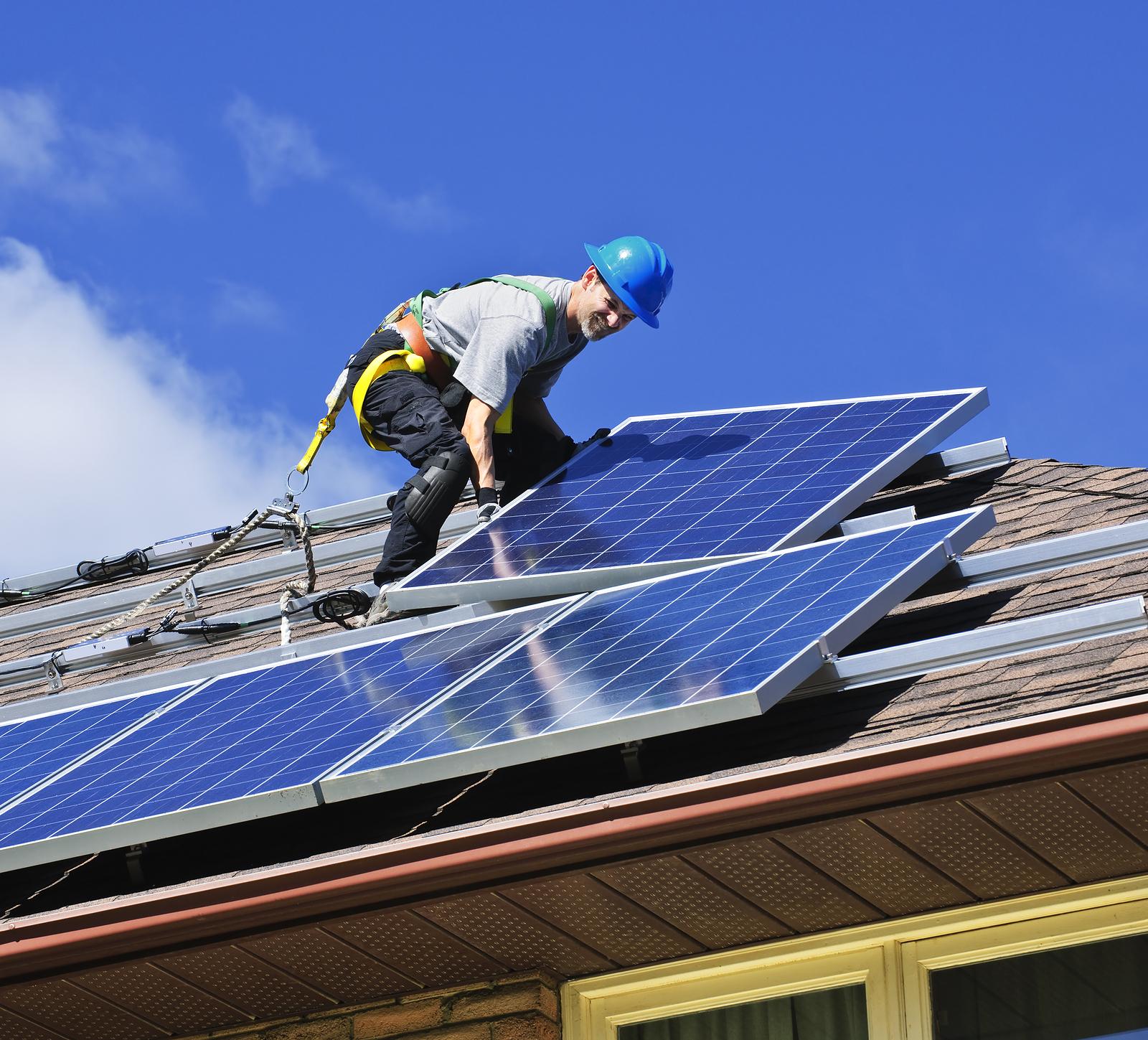 Expo panouri solare fotovoltaice