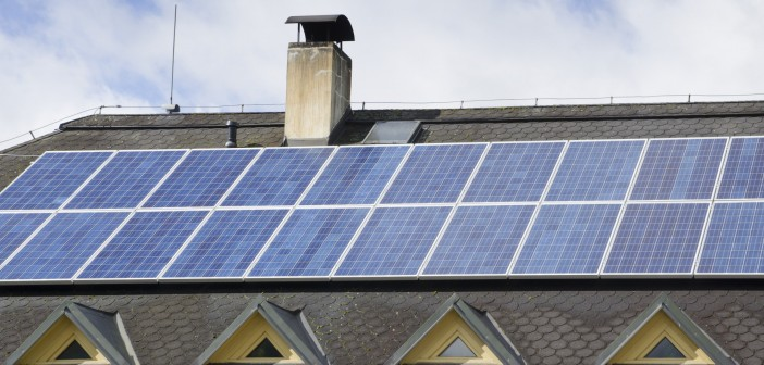 panouri solare fotovoltaice pe acoperis