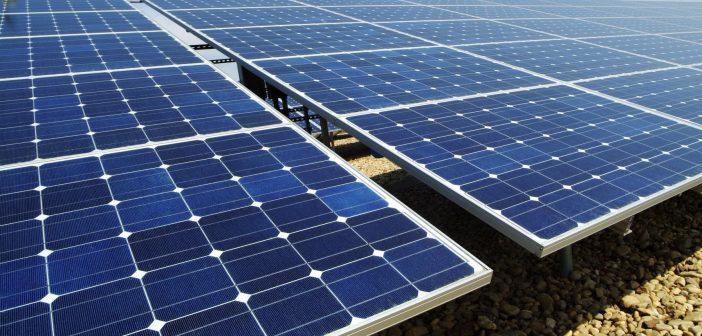 A fost pusă în funcțiune cea mai mare centrală solară din lume